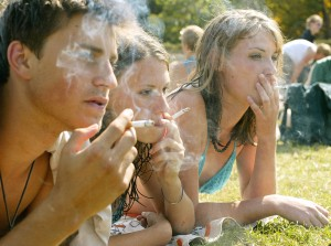 Το κάπνισμα απαγορεύτηκε και στις παραλίες!