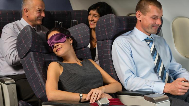 Θέλετε άνετο αεροπορικό ταξίδι; Πάρτε μαζί αυτό το απρόσμενο αντικείμενο