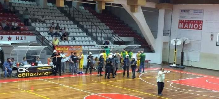 Επεισόδια στο κλειστό της Καισαριανής σε αγώνα μπάσκετ