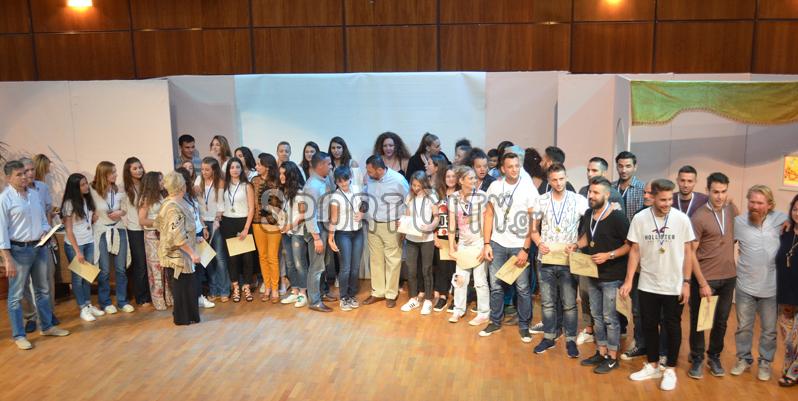 Ο Δήμος Σαρωνικού τίμησε τις ομάδες που διακρίθηκαν[εικόνες]
